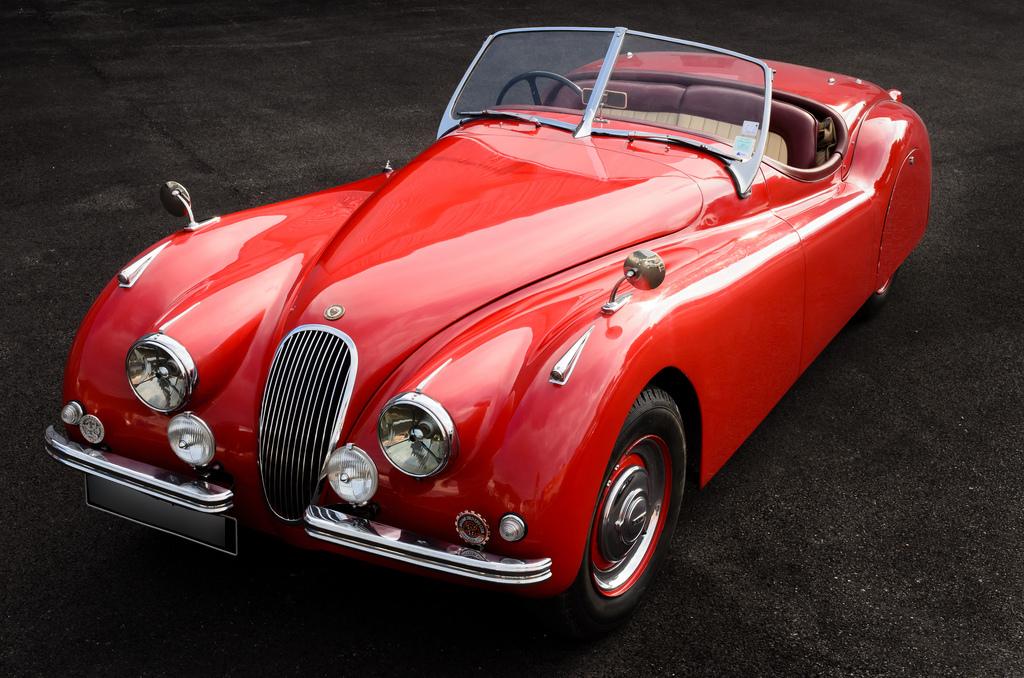 classic sport autos annonces pour l 39 achat ou la vente de voitures anciennes. Black Bedroom Furniture Sets. Home Design Ideas